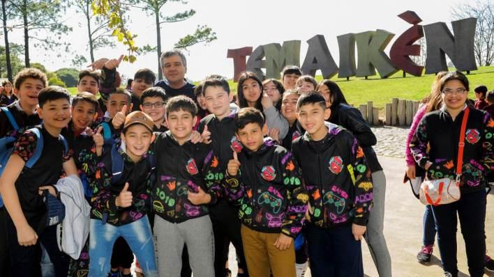 Hurlingham: Alumnos en Temaikén con Zabaleta