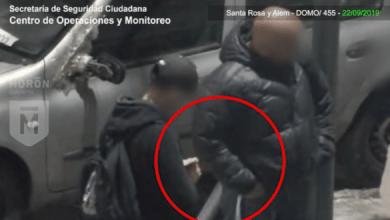 Photo of Dos malvivientes, uno de los cuales tenía pedido de captura, fueron detenidos por venta de drogas en Castelar Norte