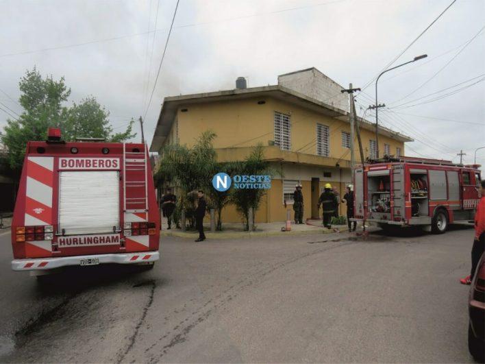 Hurlingham: Impresionante incendio en una casa de Villa Tesei