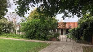 Castelar: Polémica vecinal por la radicación de un jardín sobre la avenida Sarmiento en una zona residencial