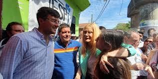Lucas Ghi y Verónica Magario en Castelar Sur