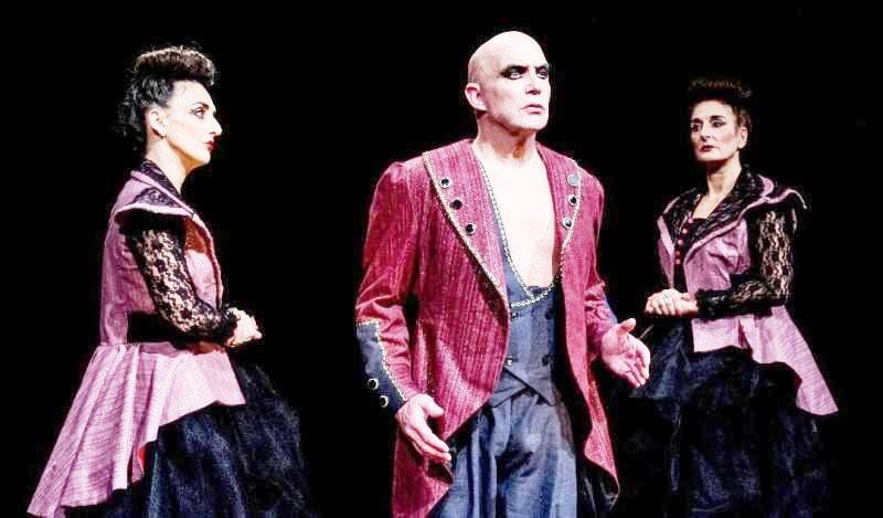 """Teatro existencial: la obra """"Rojos Globos Rojos"""" es una metáfora de resistencia"""