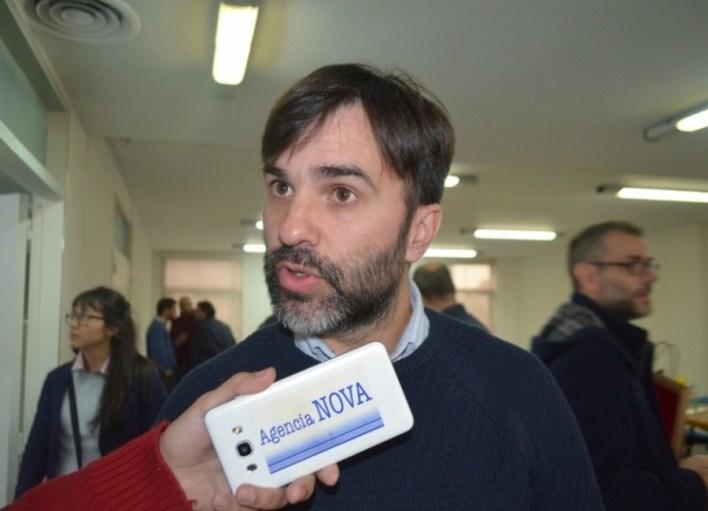 Castelli avanzó en la regulación del uso medicinal de cannabis