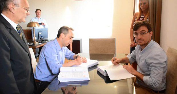 Tagliaferro traspasó el mando del municipio de Morón, que ya está en manos de Lucas Ghi