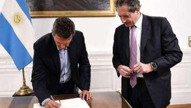 Photo of El presidente de la Cámara de Diputados, Sergio Massa firmó los billetes que entrarán en circulación próximamente