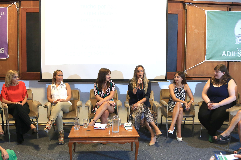Se realizó el primer Encuentro de Mujeres a favor de la equidad de género