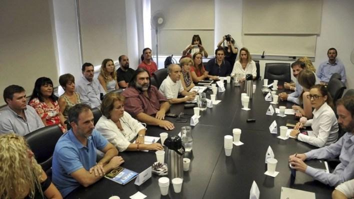 El gobierno de Kicillof le ofreció un 16,66% a los docentes y aguarda respuesta de los sindicatos