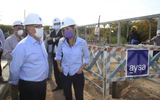 Photo of Ituzaingó: Malena Galmarini recorrió la Estación de Bombeo Cloacal con Descalzo y firmó convenio para nuevas obras