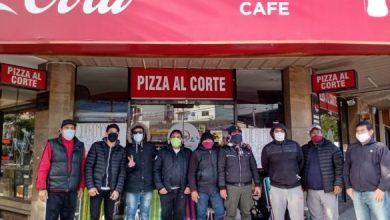Photo of Empleados de una pizzería de Morón comenzaron un acampe para denunciar que no cobraron los sueldos de marzo y abril