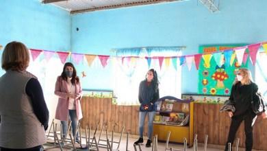 Photo of Mariel Fernández visitó jardines comunitarios en Moreno