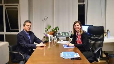 Photo of Presupuesto 2021: Fernanda Raverta y Sergio Massa se reunieron en la sede de la ANSES