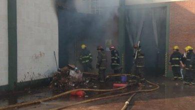 Photo of Bomberos controlaron un incendio de una fábrica en San Martín