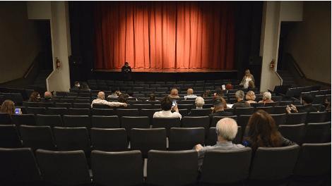 Después de ocho meses y tras la protesta de los artistas, habilitan la reapertura de los teatros