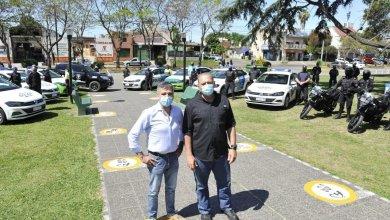 Photo of Zabaleta y Berni entregaron nuevos móviles policiales en Hurlingham