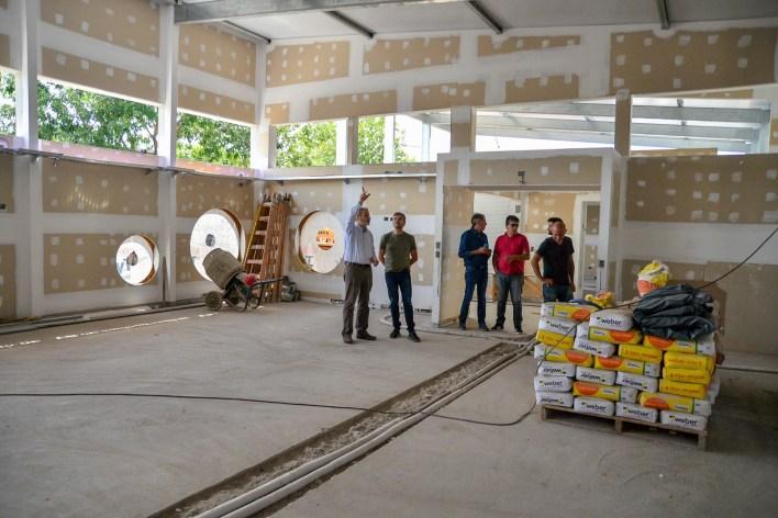 Hurlingham: Zabaleta supervisó el reinicio de las obras del Jardín Nº 902 y de la Escuela Técnica Nº 3