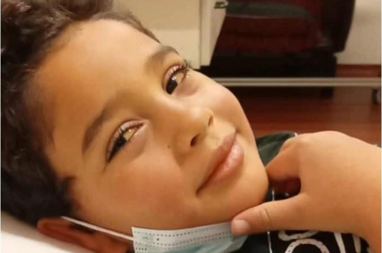 Aarón sigue luchando por su vida a la espera de un trasplante hepático