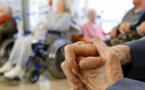 Desde mañana vuelven las visitas a los geriátricos en La Plata: deben tener residentes y personal vacunados