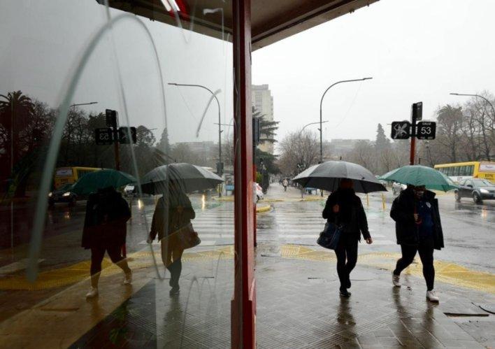 """La Plata en alerta """"Amarilla"""" por fuertes tormentas: anuncian ráfagas y caída de granizo"""