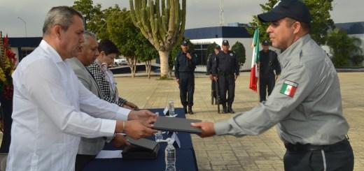 Se integran 20 elementos a la policía procesal en el Sistema de Justicia  Penal de La Paz 8b381d85317