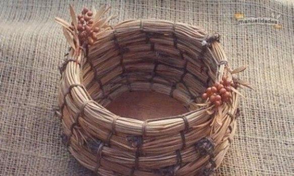 Como tejer un cesto de pinocha