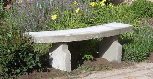 Banco de cemento para el jardín