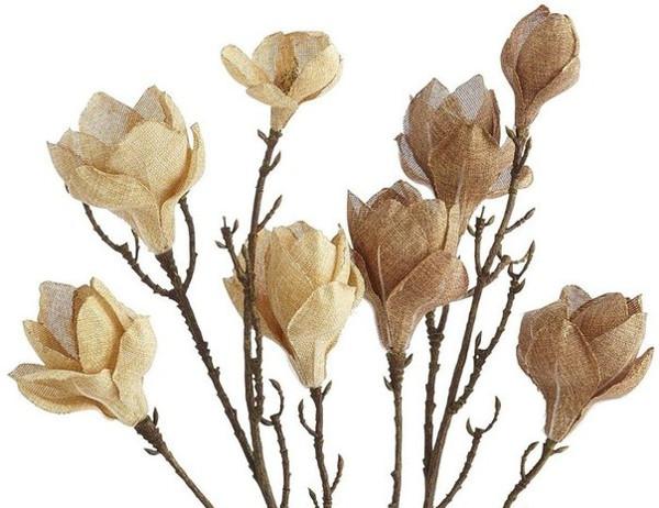 Flores de arpillera para una decoración rústica o vintage