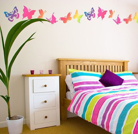 Decorar paredes con estarcido ideas y plantillas para for Cuartos decorados kawaii