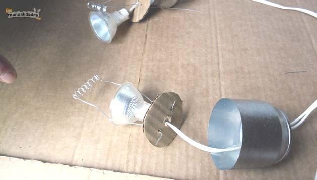 Lamparillas con frascos reciclados bombilla