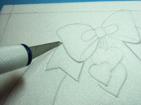 Repasar con un cuter el dibujo
