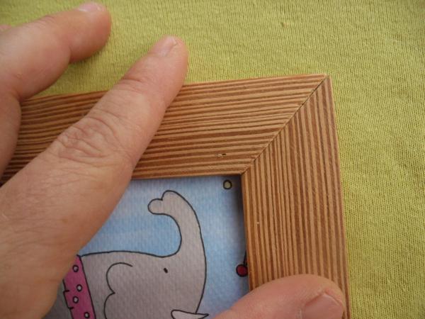 Encolar las tablas para hacer un marco de madera fácil