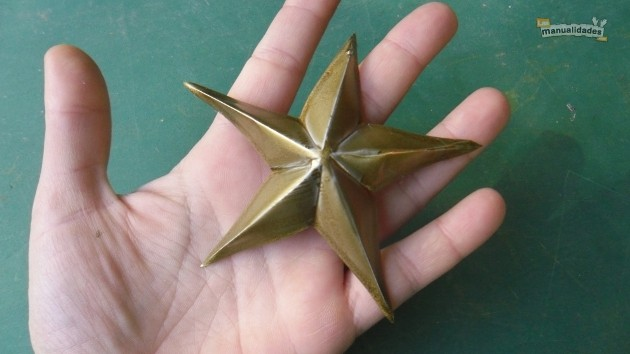 Reciclaje para navidad estrella terminada