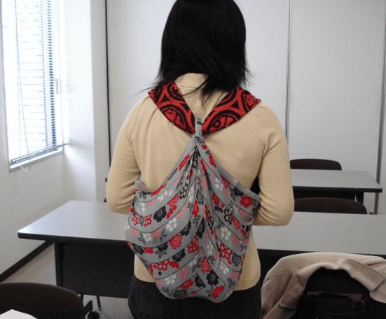 Bolsos furoshiki modelo mochila con dos pañuelos
