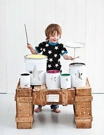 juguetes con materiales reciclados batería musical para jugar hecha con reciclaje