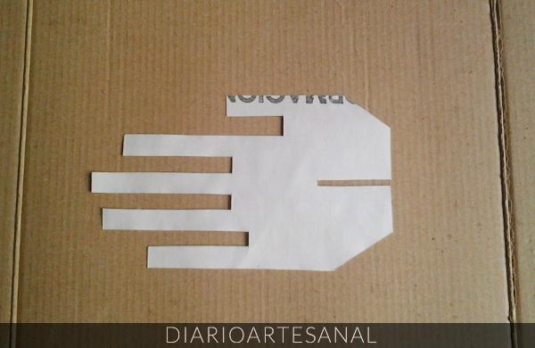 Reciclaje de cartón cómo hacer un porta anillos paso 1