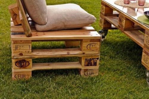 Modelo de sillón de palets para el jardín