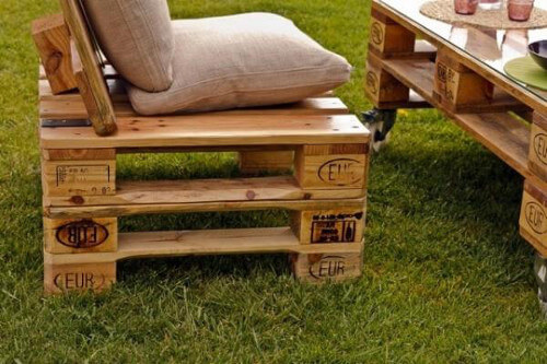 muebles con palets modelo de silln simple