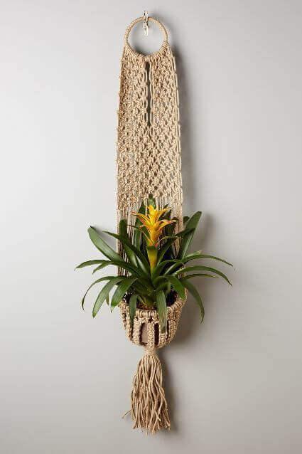 Ideas para decorar con macramé macetero colgante de diseño original