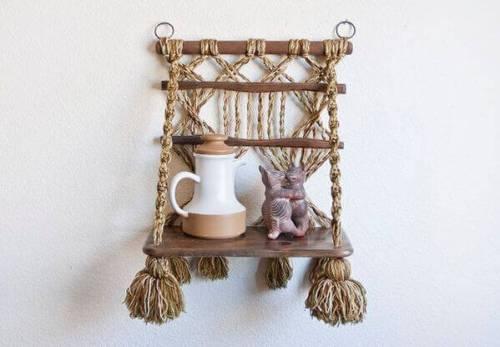 Ideas para decorar con macramé estantería colgante artesanal