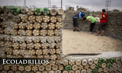 Casas hechas con botellas utilizando ecoladrillos
