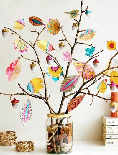 Hojas pintadas para decorar en otoño
