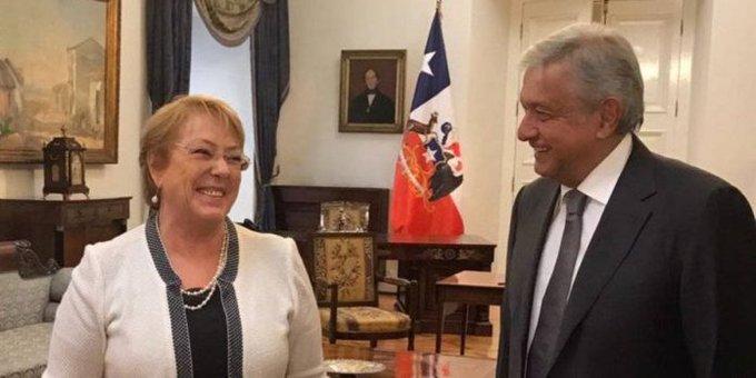 Miguel Bosé vuelve a criticar a Michelle Bachelet en tenebroso video