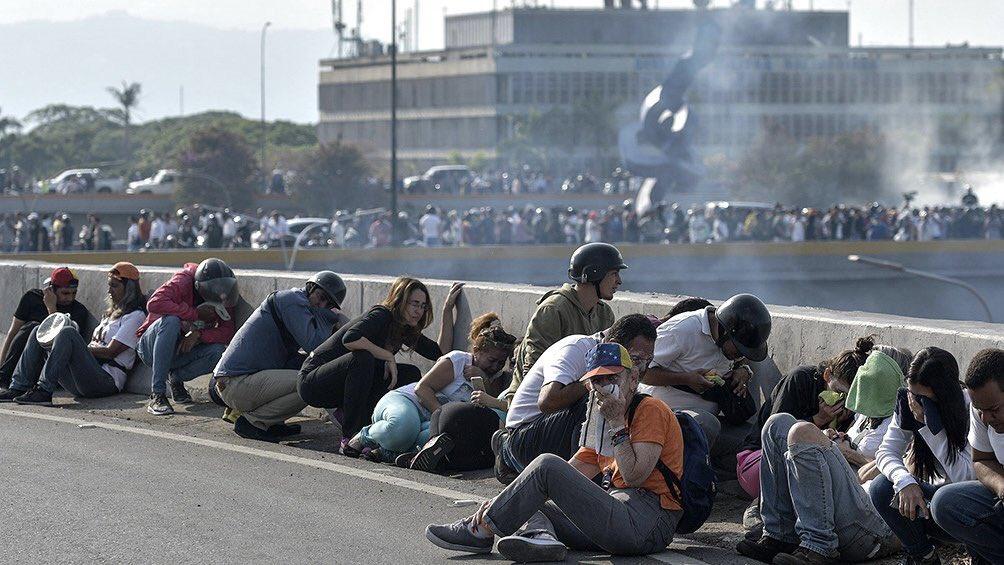 Varios heridos por enfrentamientos en protestas antigubernamentales Venezuela