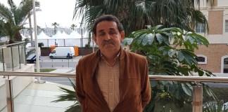 Manuel Mestre posando en una de las terrazas del Hotel Meliá de Alicante /Alex Ferrer