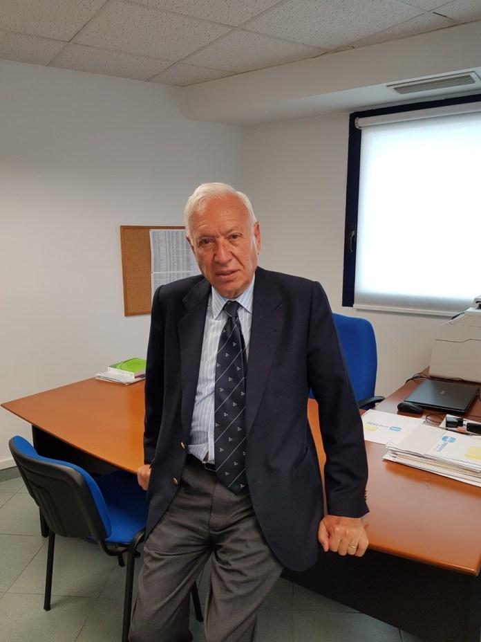 José Manuel García Margallo posando en la entrevista / Alex Ferrer