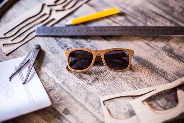 6e31c8ec92 Solamente hay 50 unidades de estas gafas de madera, sometida durante dos  años a un meticuloso secado antes de comenzar su producción y de realizar  ...
