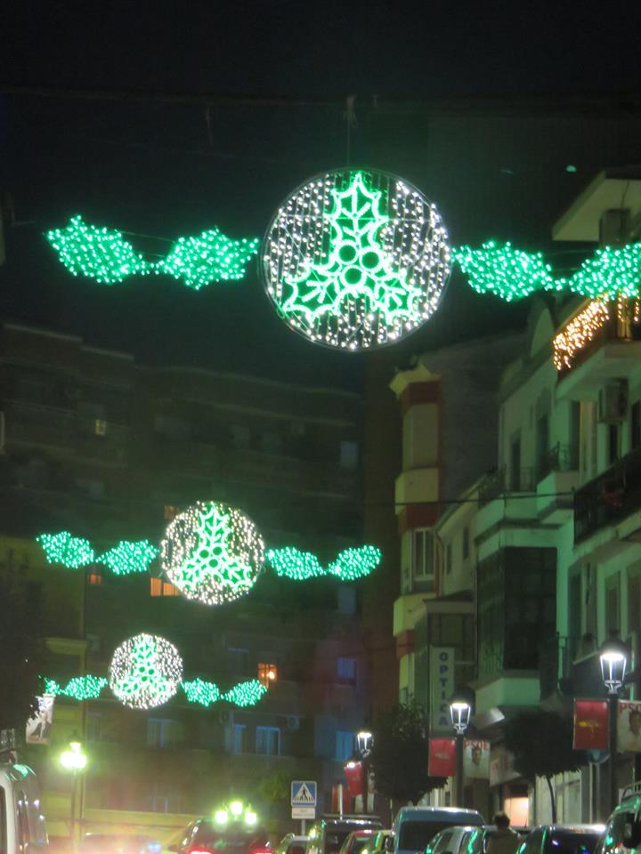 Jara z de la vera estrena decoraci n de luces de navidad - Decoracion luces navidad ...