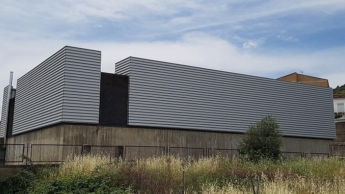 obras de reparación de filtraciones por cubierta de gimnasio en el I.E.S. Maestro Gonzalo Korreas