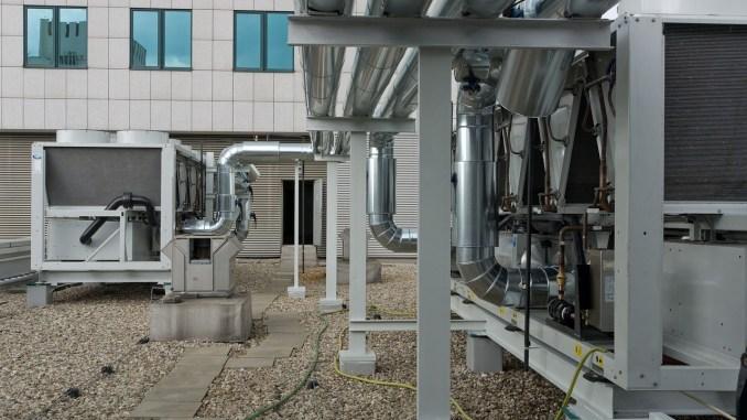 Técnico de mantenimiento de instalaciones de climatización