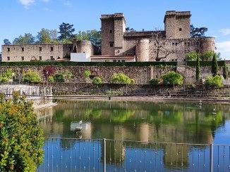 1024px-Castillo_Palacio_de_los_Condes_de_Oropesa_en_Jarandilla_de_la_Vera,_Cáceres