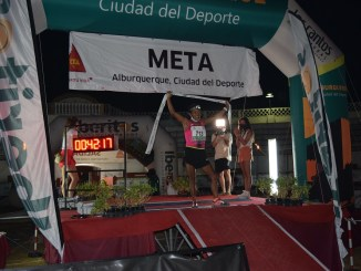 Mª Mercedes Pila, vencedora V 10K Alburquerque Nocturno